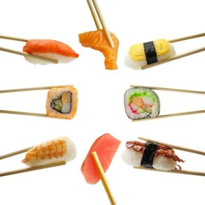 Nálepka sushi v hůlky na bílém pozadí