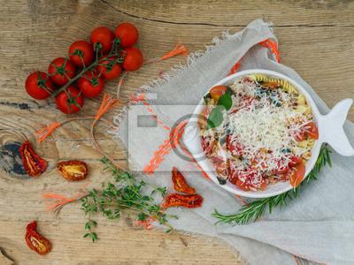 Nálepka Těstoviny s rajčaty a bazalkou