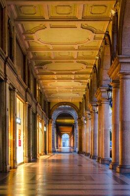 Nálepka Turín (Torino), typické arkády v historickém centru starého města