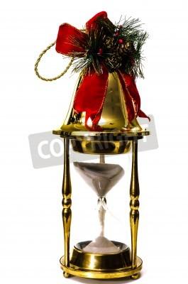 Vánoční zvonek na přesýpací hodiny izolovaných na bílém pozadí, zobrazující čas koncepce krátí na vánoční nákupy