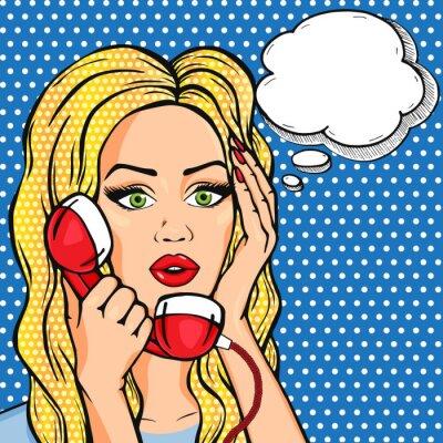 Nálepka Vector šokován žena na telefonu s myšlenkou bubliny, vektorové pop art komiks stylu