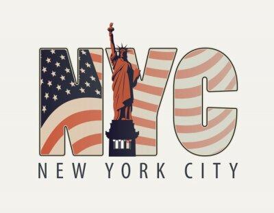 Nálepka Vektor nápis s písmeny NYC s obrazem americké vlajky a Socha svobody na světlém pozadí