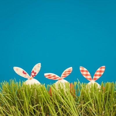 Nálepka Velikonoční vajíčka na zelené trávě