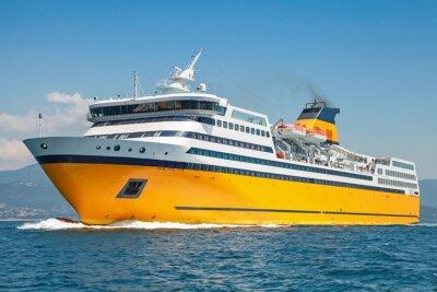 Nálepka Velký žlutý osobní trajekt jezdí na moři
