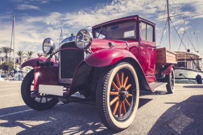 Nálepka Vintage auto v přístavu.