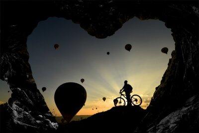Nálepka mağara deliklerinden balonlara Bakis