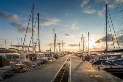 Nálepka Yacht marina východ slunce