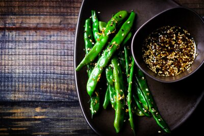 Nálepka zelené fazole v sezamové asijské omáčce
