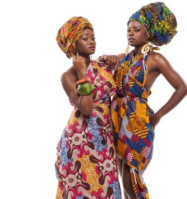 Obraz Africké modelky pózuje v šatech.