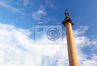 Alexandrův sloup v Petrohradě.