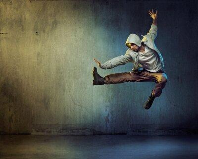 Obraz Athletic tanečnice v skákání představovat