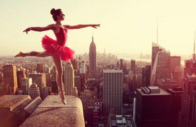 Obraz Baletní tanečník v přední části New York Skyline