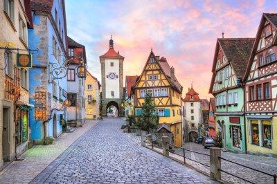 Barevné hrázděné domy v Rothenburg ob der Tauber, Germa
