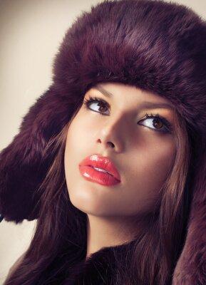 Obraz Beauty Fashion Model Dívka v kožešinové čepici