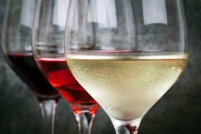 Obraz Bílá růže a červené víno