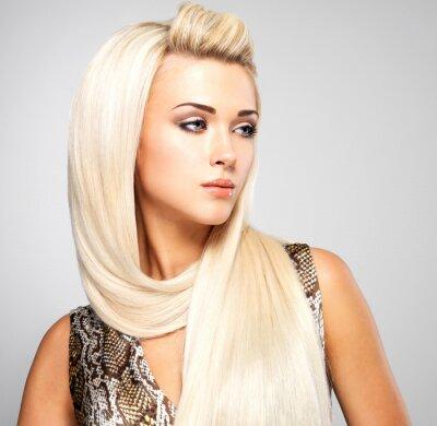 Obraz Blond žena s dlouhými rovnými vlasy