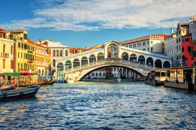 Canal Grande a Ponte di Rialto, Benátky, Itálie