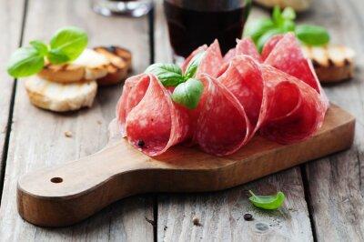 Obraz Delicious salám s bazalkou a vínem
