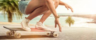 Obraz Dívka jízdě s ní longboard