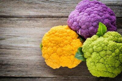 Obraz Duha eko květáku na dřevěném stole.
