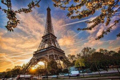 Obraz Eiffelova věž proti východu slunce v Paříži, Francie