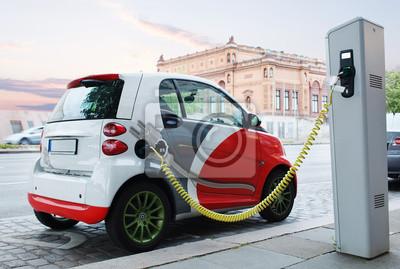 Electro auto se nabíjí na ulici