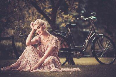 Obraz Elegantní retro žena v letních šatech