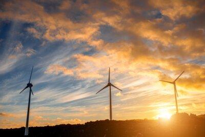 Obraz Elektrické větrné mlýny na pozadí oblohy na západ slunce