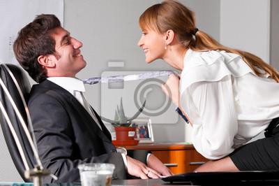 flirtování v kanceláři