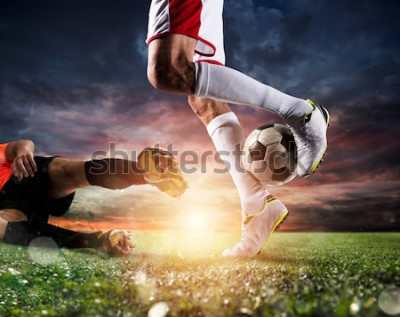 Obraz Fotbalisté s soccerball na stadionu během zápasu