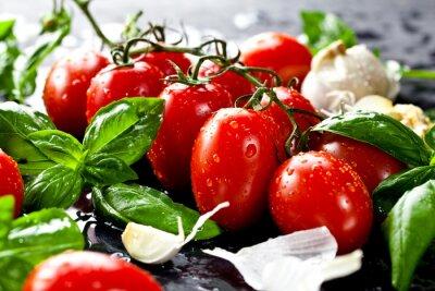 Obraz Frische tomaten mit basilikum und Knoblauch