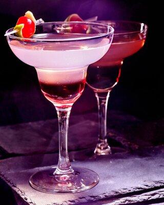 Obraz Granátové jablko nápoj s třešní na černém pozadí. Cocktail karta 90.