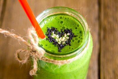 Obraz Green smoothie se srdcem semen