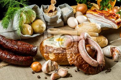 Horká polévka v chlebu pro velikonoční snídani
