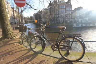 Obraz Jízdní kola obkladový panel most přes kanály v Amsterdamu