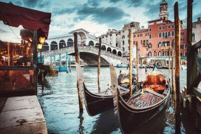 Obraz Klasický pohled na Ponte di Rialto - Benátky
