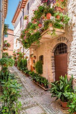Kouzelný zdobené veranda v malém městečku v Itálii, Umbrie