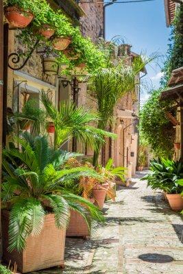 Kouzelný zdobí ulice v malém městečku v Itálii, Umbrie