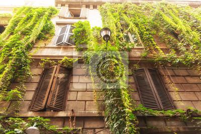 krásná architektura ve staré části Říma, Itálie