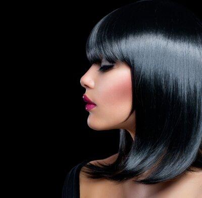 Obraz Krásná brunetka dívka. Krásná žena s krátkými černými vlasy