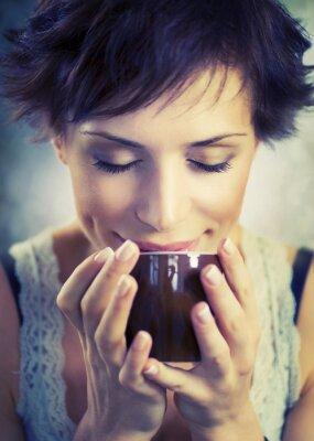 Obraz Krásná dívka s šálkem kávy