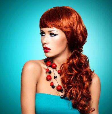 Obraz Krásná smyslná žena s dlouhými červenými vlasy