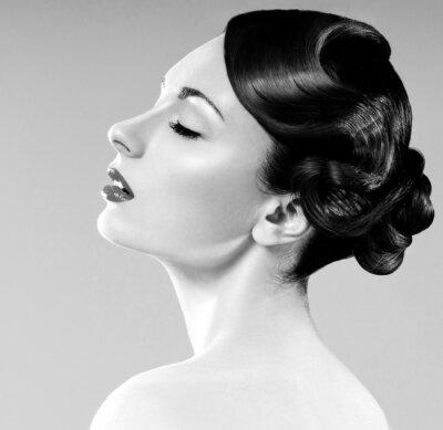Obraz krásná žena s profesionálním účes