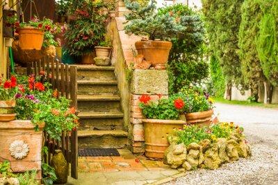 Krásné zdobené vstup do domu na venkově, Ital