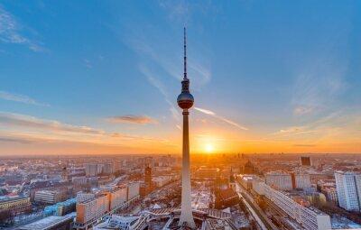 Obraz Krásný západ slunce s televizní věž na Alexanderplatz v Berlíně