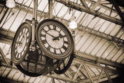 Obraz kultovní staré hodiny Waterloo Station, Londýn