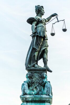 Obraz lady spravedlnosti ve Frankfurtu nad Mohanem