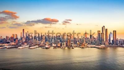Obraz Letecké panorama mrakodrapů Manhattanu v centru města za slunečného odpoledne