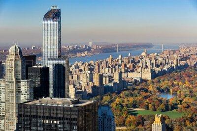 Obraz Letecký pohled na Central Park na podzim se v Upper West Side na Manhattanu v New Yorku. Pohled zahrnuje Midtown mrakodrapy, na řeku Hudson a George Washington Bridge.