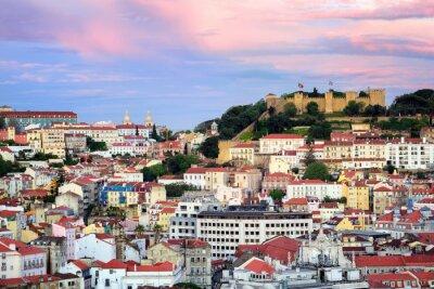 Lisabon, Portugalsko, výhled do čtvrtletí Alfama a sv Jorge Castl